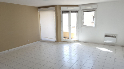 Appartement Thiais   2 piece(s)   55.23 m2
